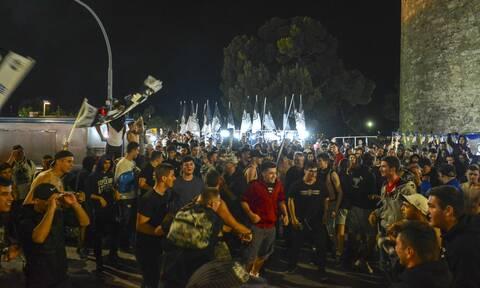 Θεσσαλονίκη: Ατελείωτο «πάρτι» των φιλάθλων του ΠΑΟΚ για την κατάκτηση του νταμπλ (video+photos)