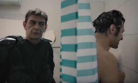 Διαφήμιση - έπος: Ο Μιχάλης Ρακιντζής είναι παντού και μοιράζει πατατάκια