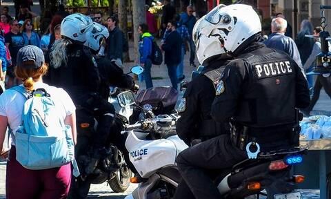 Επίθεση σε άνδρες της ομάδας ΔΙ.ΑΣ. στα Εξάρχεια – Τραυματίστηκε ένας αστυνομικός (vid)