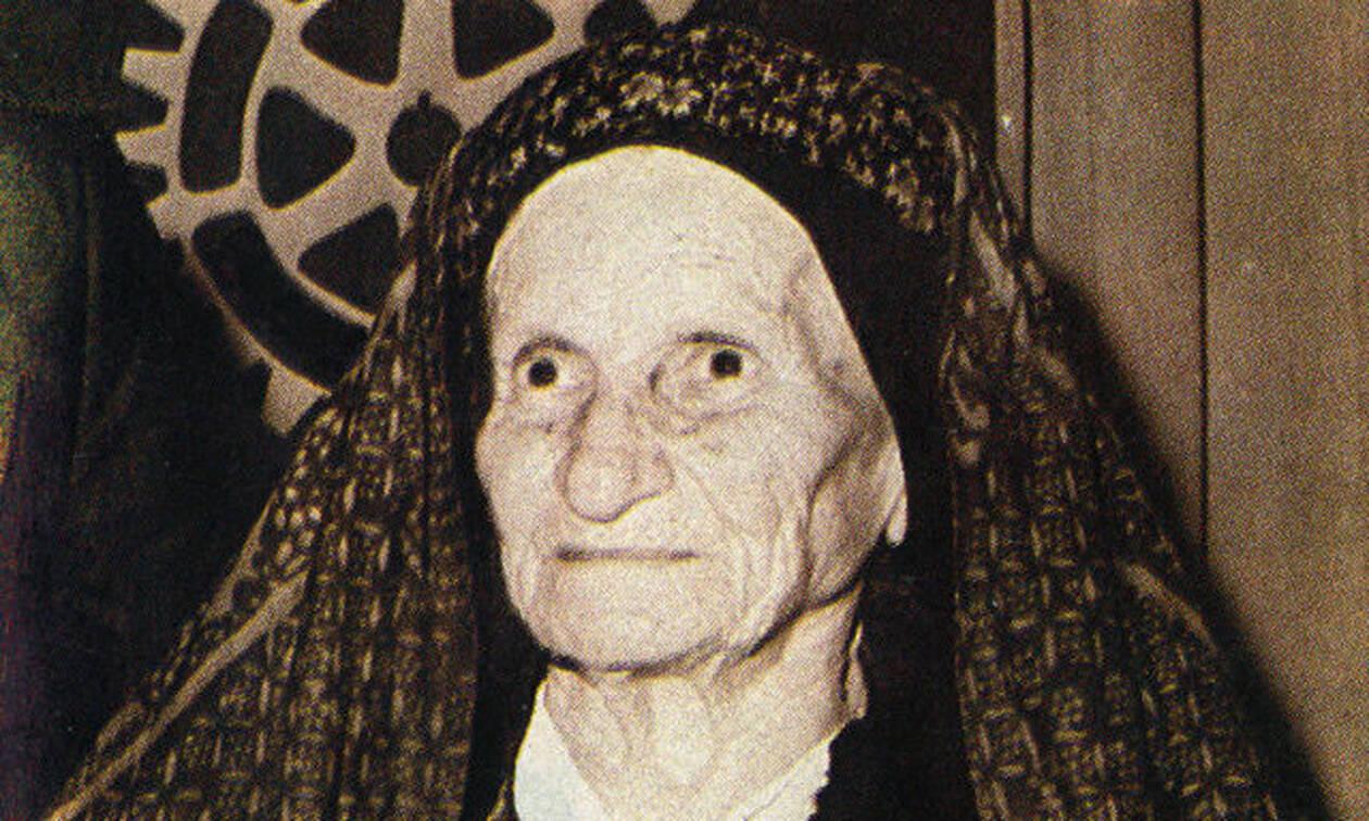 Σαν σήμερα το 1982 πεθαίνει η Κυρά της Ρω, Δέσποινα Αχλαδιώτη