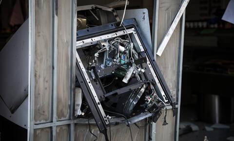 «Μπαράζ» εμπρησμών σε ΑΤΜ τα ξημερώματα