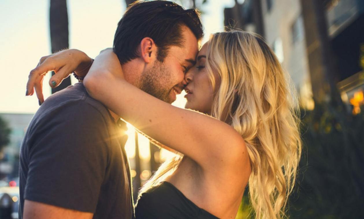 Κομμένα και τα... γαλλικά φιλιά: Δείτε από τι κινδυνεύουμε