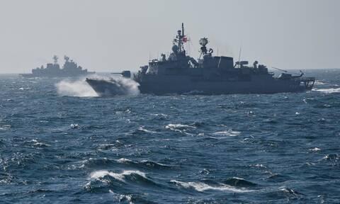 Σύννεφα πολέμου: Στο Αιγαίο ο τουρκικός στόλος – Δύο γεωτρύπανα και πολεμικά πλοία στην Κύπρο