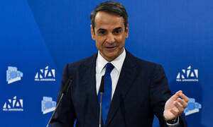 PM Tsipras ' lying seven days a week,' ND leader Mitsotakis says