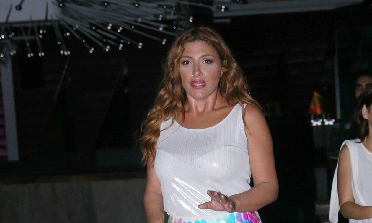 Απίστευτη περιπέτεια για την Έλενα Παπαρίζου - Τι συνέβη στην τραγουδίστρια (pics)