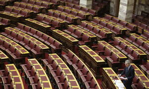 Draft law on 120 installments, rider on pension bonus tabled in plenary