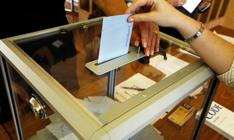 Εκλογές: Υποψήφιος και πρώην Ολυμπιονίκης της Αθήνας, ζητά ψηφοφόρους σε ερωτικά sites (pics)