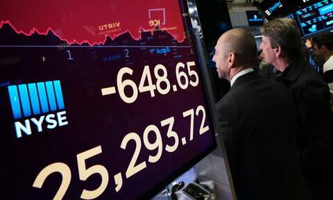 Μεγάλη πτώση στη Wall Street από τον εμπορικό πόλεμο ΗΠΑ και Κίνας - Απώλειες και στο πετρέλαιο