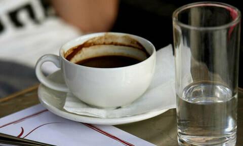 Η κατανάλωση θα κάλυπτε την απώλεια εσόδων από ενδεχόμενη μείωση του ΦΠΑ στο καφέ