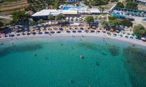 Γαλάζιες Σημαίες 2019: Αυτές είναι οι πιο καθαρές παραλίες της Ελλάδας (ΠΙΝΑΚΕΣ)