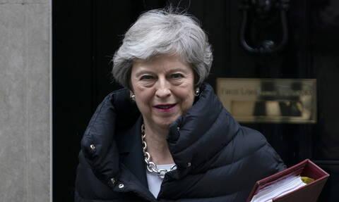 Βρετανία: Η Μέι θα ζητήσει νέα ψηφοφορία στο κοινοβούλιο για το Brexit