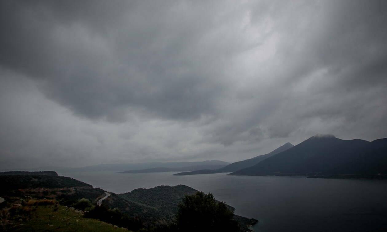 Καιρός - Έκτακτο Δελτίο EMY: Καμία άνοιξη - Με σκόνη, καταιγίδες και χαλάζι η Τετάρτη (pics)