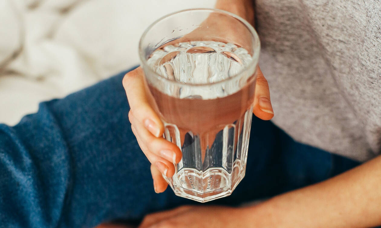Οι 3 σημαντικοί λόγοι για να πίνεις νερό