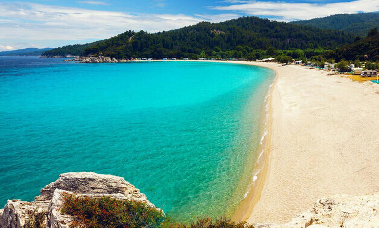 В 2019 году 512 греческих пляжей получили награду «Голубой флаг»