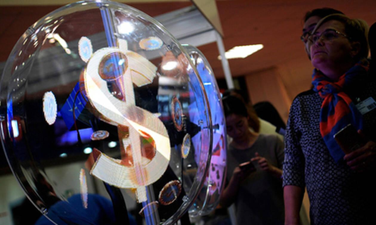 Россия добилась успехов в борьбе с долларом