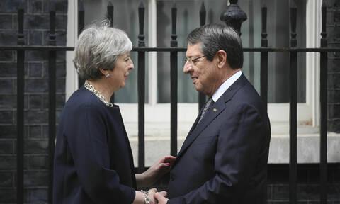 Διπλωματικός πόλεμος: Η Βρετανία «δίνει» την Κυπριακή ΑΟΖ στην Τουρκία – Διάβημα Αναστασιάδη σε Μέι