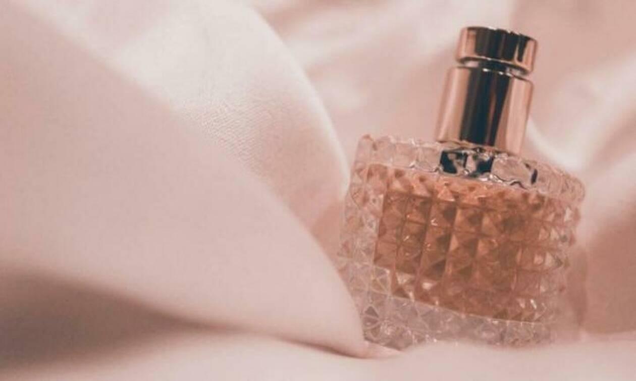 Αυτές είναι οι πιο καλοκαιρινές μυρωδιές που μπορείς να φοράς από τώρα