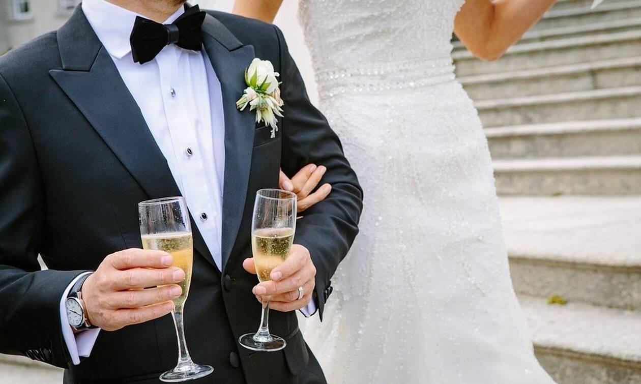 Σε πανικό η νύφη με αυτό που έκανε καλεσμένη στη γαμήλια δεξίωση! (pics)
