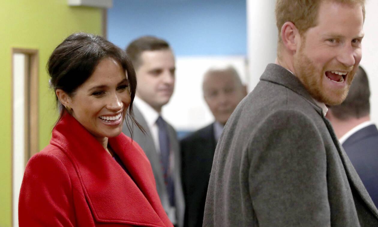 """Ακούσαμε τον πρίγκιπα Harry να μιλάει για τον Archie και """"λιώσαμε"""" (video)"""