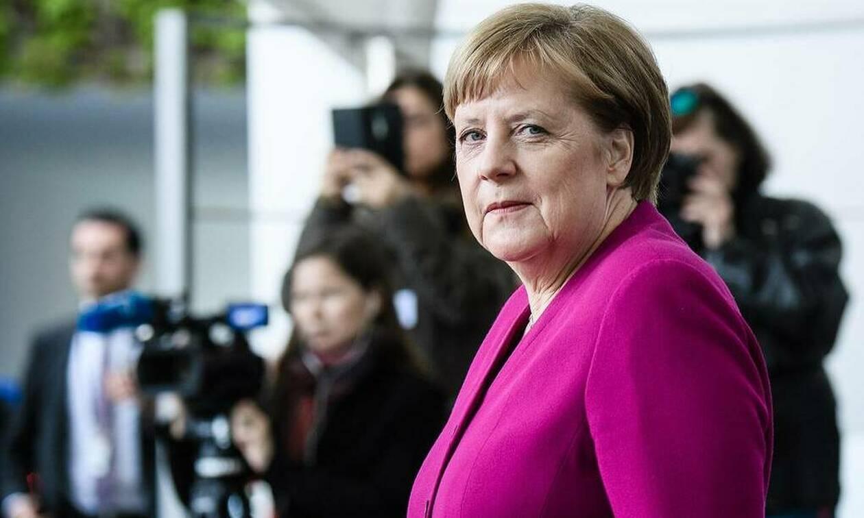 """Меркель считает, что Еврокомиссия не сможет остановить реализацию """"Северного потока - 2"""""""