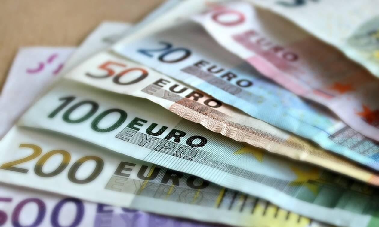 ΟΑΕΔ: Δες ΕΔΩ αν δικαιούσαι το ειδικό επίδομα των 720 ευρώ