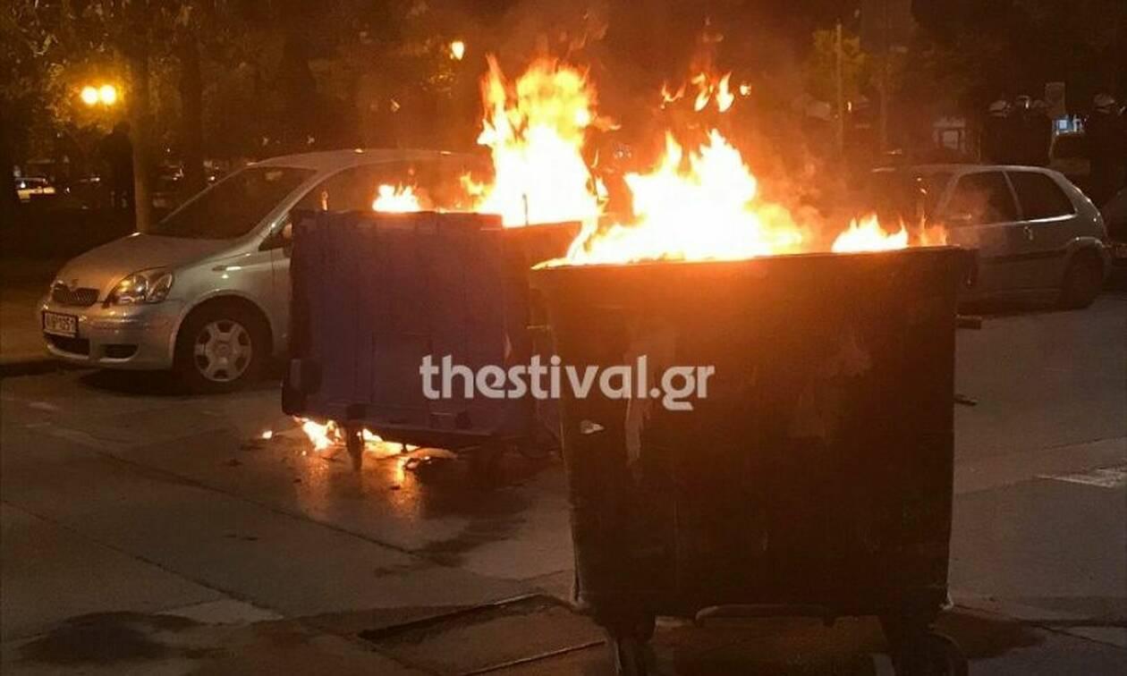 Θεσσαλονίκη: Βόμβες μολότοφ κατά αστυνομικών των ΜΑΤ - Φωτιές στο κέντρο της πόλης (pics - vid)