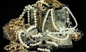 Κρήτη: «Καμπάνα» σε ζευγάρι που άρπαξε κοσμήματα αξίας άνω των 200 χιλιάδων ευρώ!
