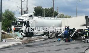 Τροχαίο στο Μαρκόπουλο: Δύο νεκροί κι ένας τραυματίας στο φρικτό δυστύχημα με βυτιοφόρο (pics&vids)