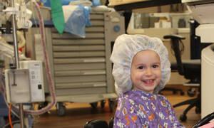 Με αυτό τον τρόπο κατάφεραν να διώχνουν το άγχος από τα παιδιά πριν μπουν στο χειρουργείο (pics&vid)