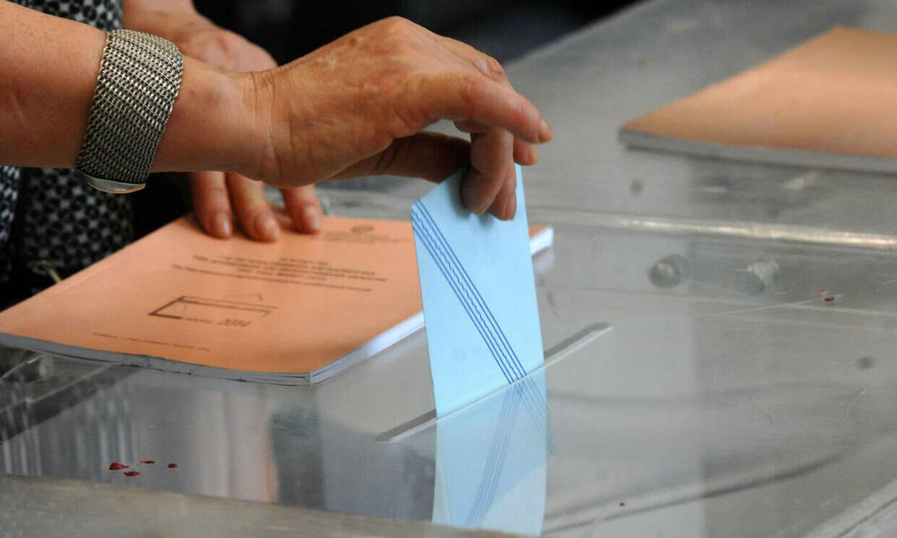 Νέα δημοσκόπηση - «βόμβα»: Δείτε τη διαφορά ΣΥΡΙΖΑ και ΝΔ - «Φωτιά» στο πολιτικό σκηνικό