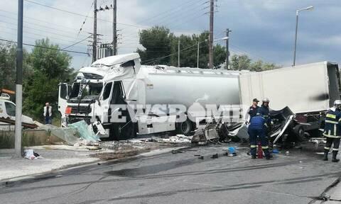 Τροχαίο δυστύχημα στο Κορωπί: Την εμπλοκή τρίτου οχήματος εξετάζουν οι Αρχές (pics)