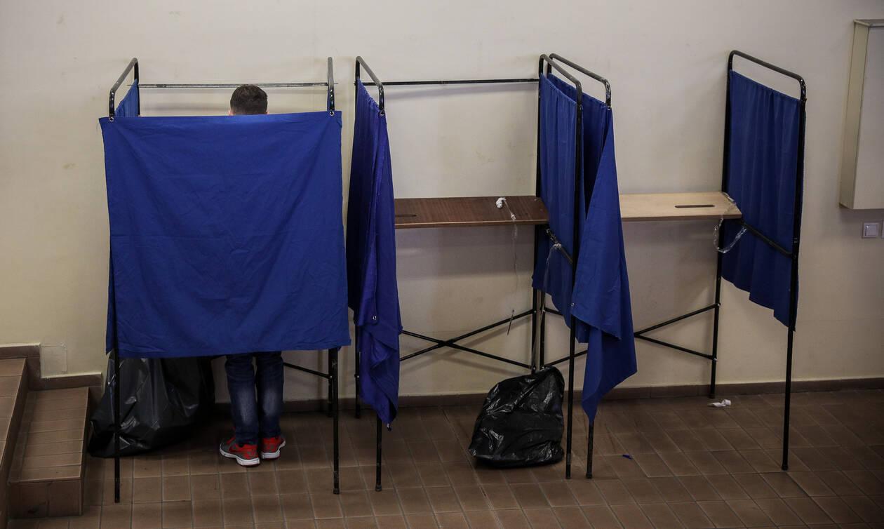 Δημοσκόπηση - «βόμβα»: Πόσο προηγείται η ΝΔ του ΣΥΡΙΖΑ – Ανατροπή στην τρίτη θέση