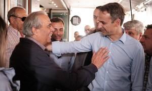 Ρακές και selfie στην υποδοχή του προέδρου της ΝΔ στο Ηράκλειο