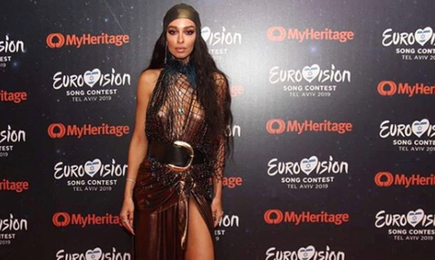 Eurovision 2019: Έτοιμη με ροζ φτερά η Φουρέιρα – Δείτε την back stage λίγο πριν τον τελικό (vid)