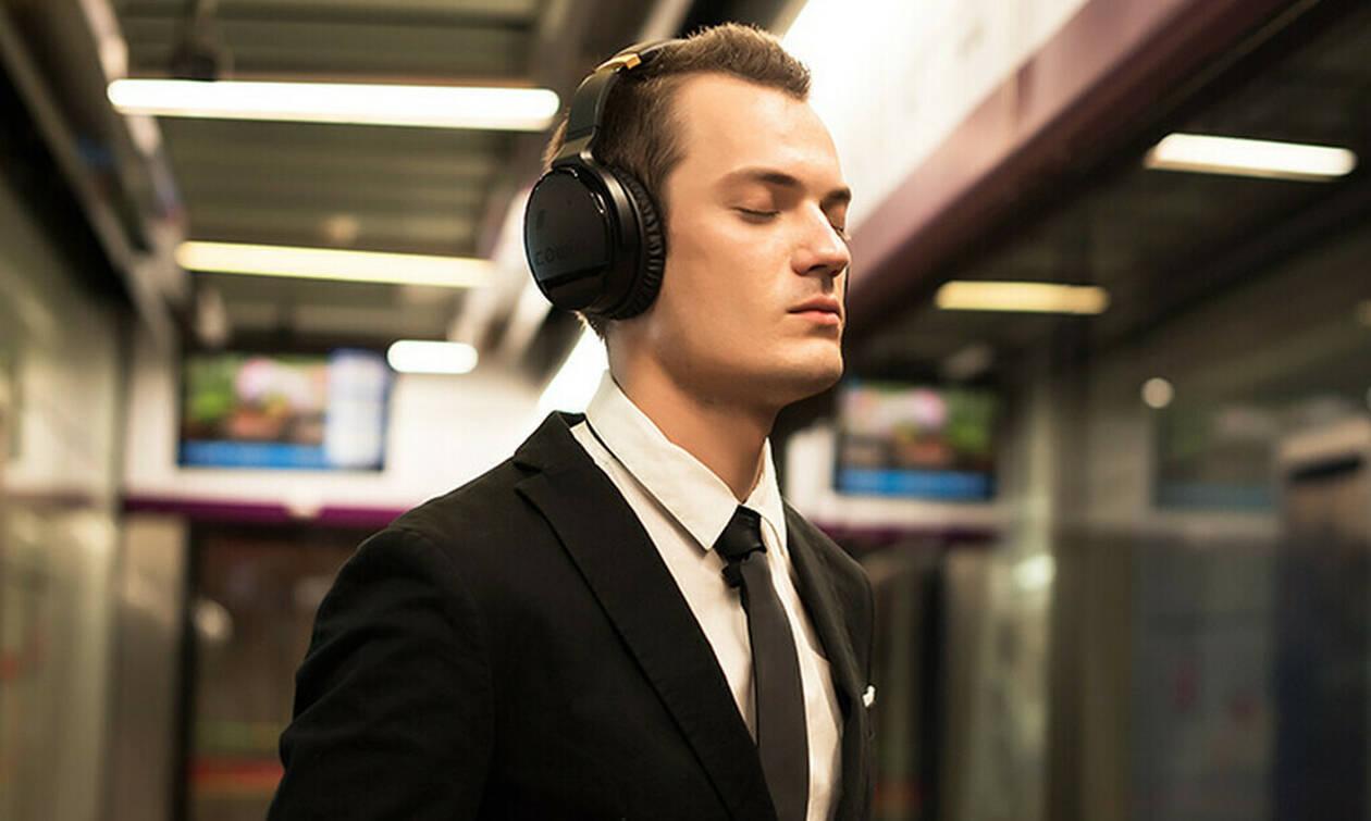 Φοράς συχνά ακουστικά; Δες τι μπορεί να πάθεις