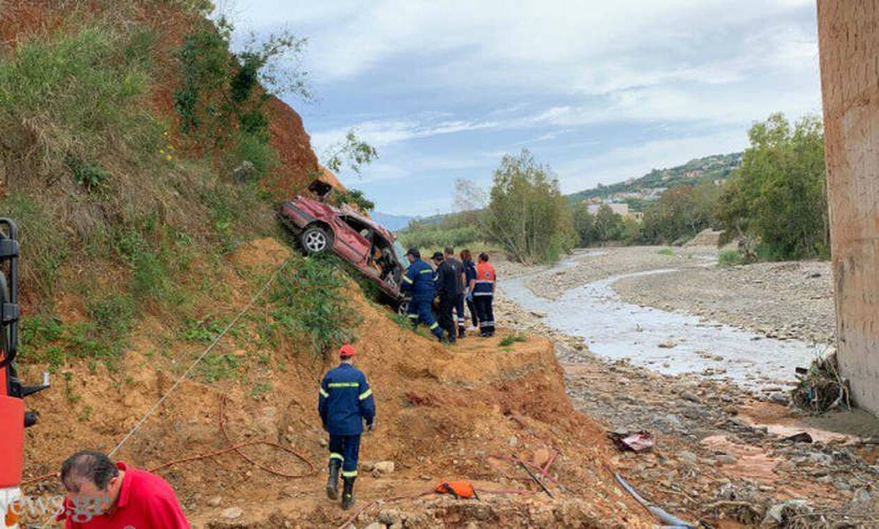 Φρικτό τροχαίο στα Χανιά: Αυτοκίνητο έπεσε από γέφυρα – Νεκρός ο οδηγός (pics)