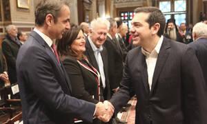 Δημοσκοπήσεις: Πως βαθμολογούν οι Έλληνες Τσίπρα και Μητσοτάκη - Ποιος κερδίζει