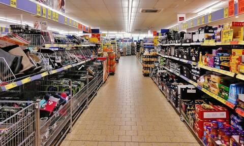Μειωμένος ΦΠΑ: Ποια προϊόντα πωλούνται φθηνότερα από σήμερα - Δείτε αναλυτικά τις κατηγορίες