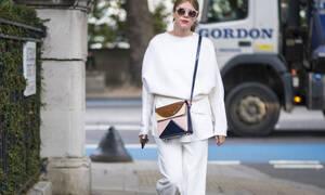 Λευκό Top: Το πιο κλασικό είδος μπλούζας φέτος επαναπροσδιορίζει την αξία του