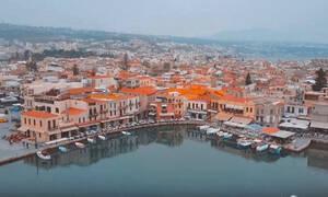 Drone βιντεάρα μας ταξιδεύει από την ενδοχώρα στη παλιά πόλη του Ρεθύμνου