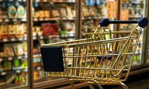 Αλαλούμ με τον μειωμένο ΦΠΑ στα ράφια των σούπερ μάρκετ - Τι λένε οι καταναλωτές στο Newsbomb.gr