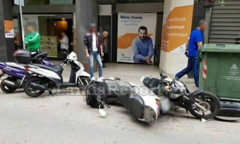«Τρελός» οδηγός αναστάτωσε το κέντρο της Λαμίας: Δεν άφησε τίποτα όρθιο στο πέρασμά του (pics)