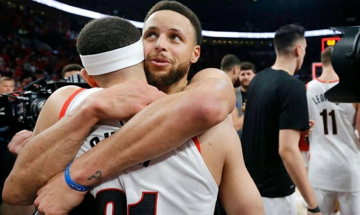 Η συγκινητική αγκαλιά του Στεφ Κάρι στον αδερφό του!