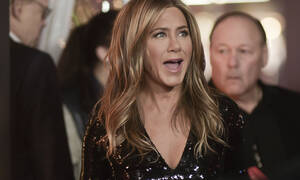 Η Jennifer Aniston εμφανίζεται μετά από πολύ καιρό και… δεν την αναγνωρίζουμε