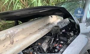 Τροχαίο - ΣΟΚ στη Ρόδο: Προστατευτικό κιγκλίδωμα διαπέρασε αυτοκίνητο - Απίστευτες εικόνες