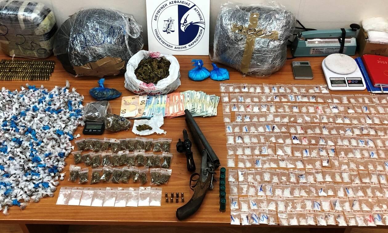Σοκάρουν οι ποσότητες και τα είδη ναρκωτικών που διακινούσε σπείρα γύρω από την ΑΣΟΕΕ (pics - vid)