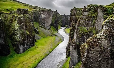 Η Ισλανδία κλείνει δημοφιλές φαράγγι στους τουρίστες (vid)