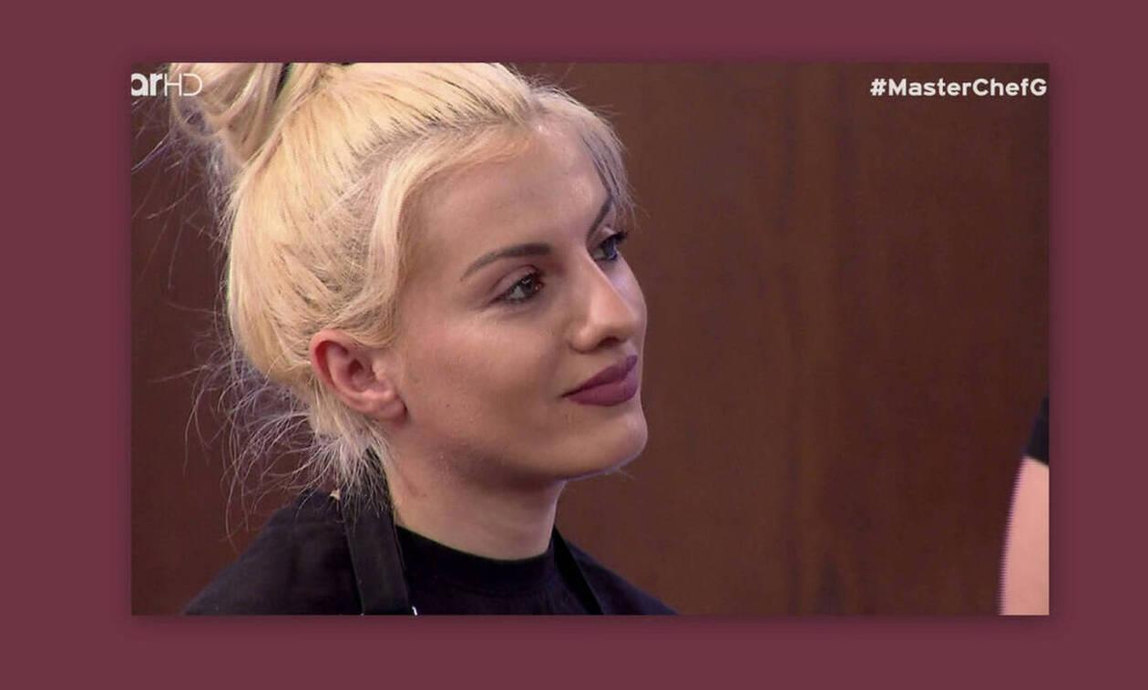 Ημίγυμνη... σεφ! Η Ασημίνα του MasterChef στην πρώτη της φωτογράφιση (video)
