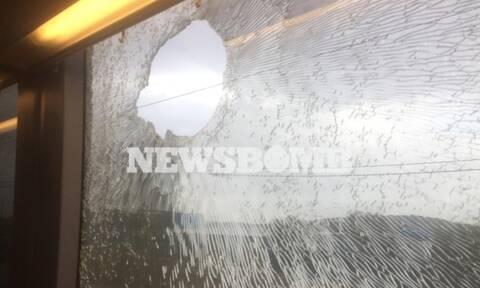 Ασπρόπυργος: Πέταξαν πέτρες σε συρμό του Προαστιακού - Τρεις τραυματίες
