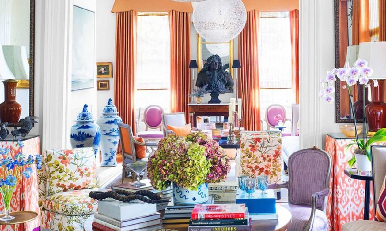 Δες πώς ένας διακοσμητής κατάφερε να ταιριάξει υπέροχα τα χρώματα σ' αυτό το σπίτι